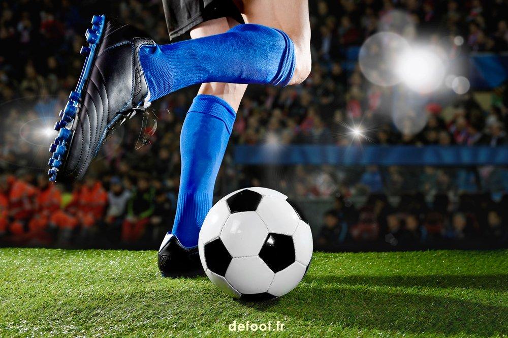 La lecture du jeu et l'ajustement à la trajectoire du ballon